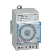 Legrand - Minuterie programmation par jour analogique 1S=15MIN 3MODULES - 412823