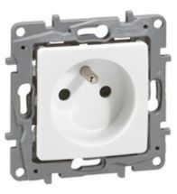Legrand Stopcontact met aarding Niloe 2P+A 16A wit met schroefklemmen - 664735
